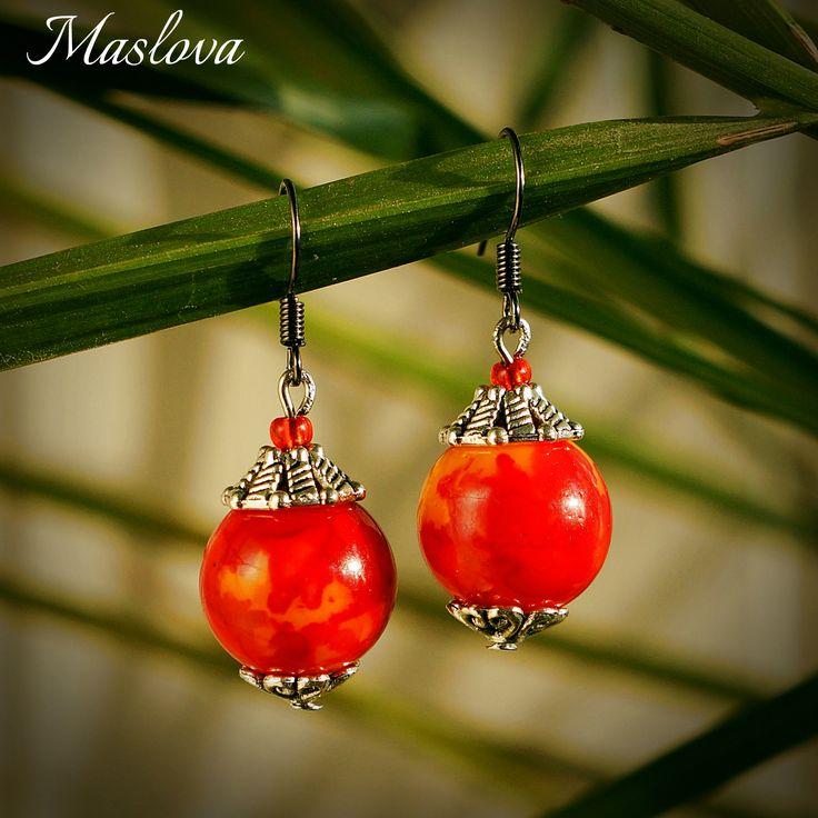 Осенние серьги. керамические бусины красно-оранжевых тонов, металлические держатели.
