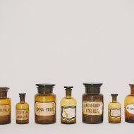 vasi vintage farmacia a noleggio