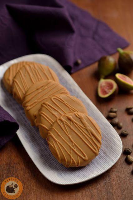 """Praliné Paradicsom: Fügés-diós """"isler"""" karamellizált fehér csokival"""