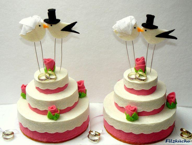 Geldgeschenke - Hochzeits-Geldgeschenke-Torte aus Filz- Handarbeit - ein Designerstück von filz-kueche bei DaWanda