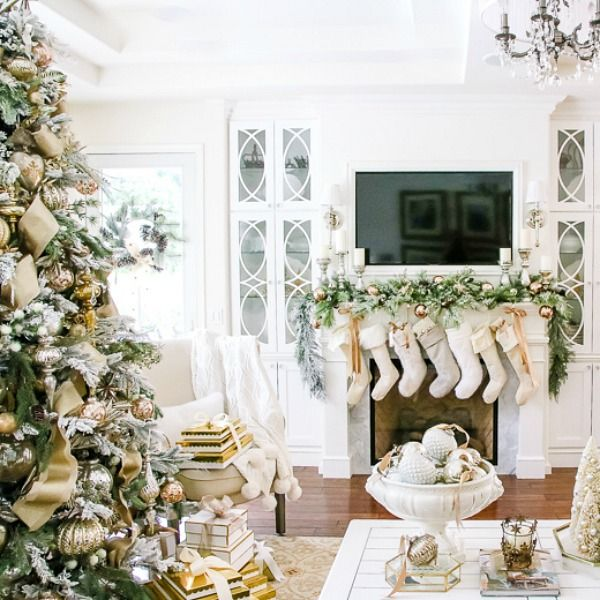 Elegant And Neutral Christmas Foyer