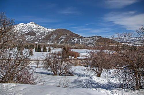 This beautiful building lot is nestled at the entry of Wasatch State Park. You approach this gorgeous lot up a country lane. The home site is level and easy to build with panoramic views of the Wasatch State Park Mountain range and golf course. Fully improved lot with utilities located inside Midway City limits. http://www.luxurylivingparkcity.com