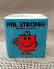 Mr Men ~ Mr STRONG ~ egg cup ~ neuf en boîte ~ pâques cadeau?