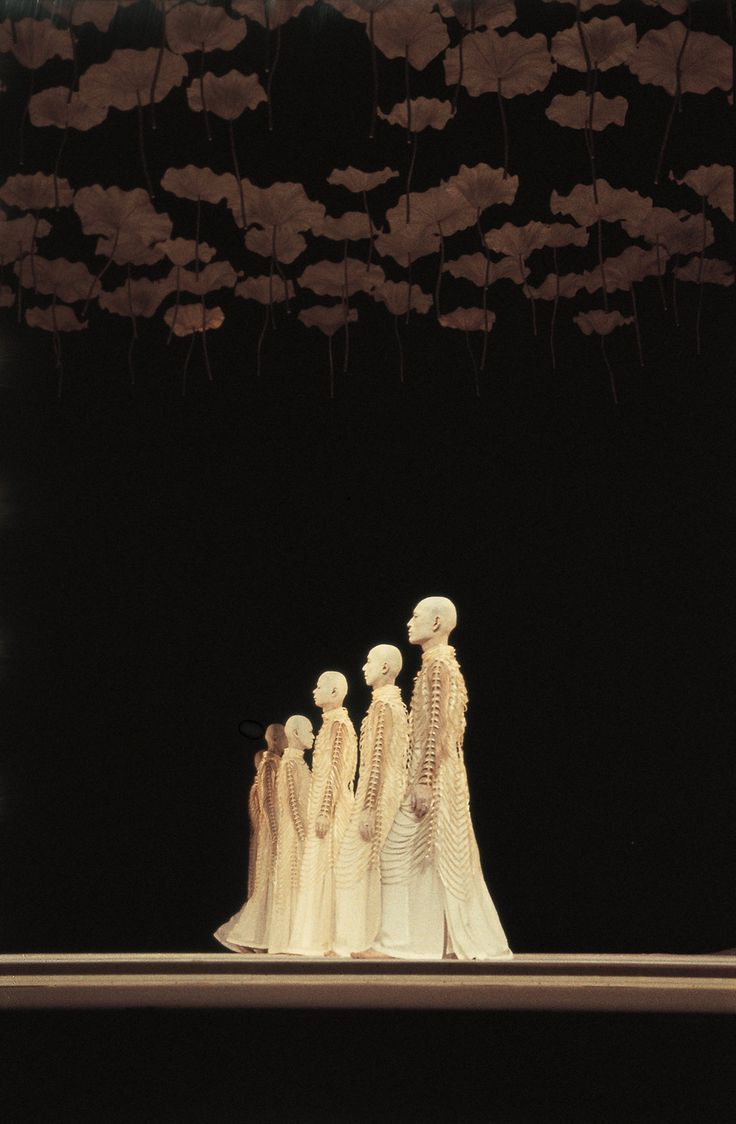 Butoh dance troupe Sankai Juku performing Kagemi - Photo Jacques Denarnaud  (via ulterior-motifs)