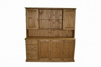 A really lovely dresser, which looks fantastic in situ. www.pinewelshdressers.co.uk
