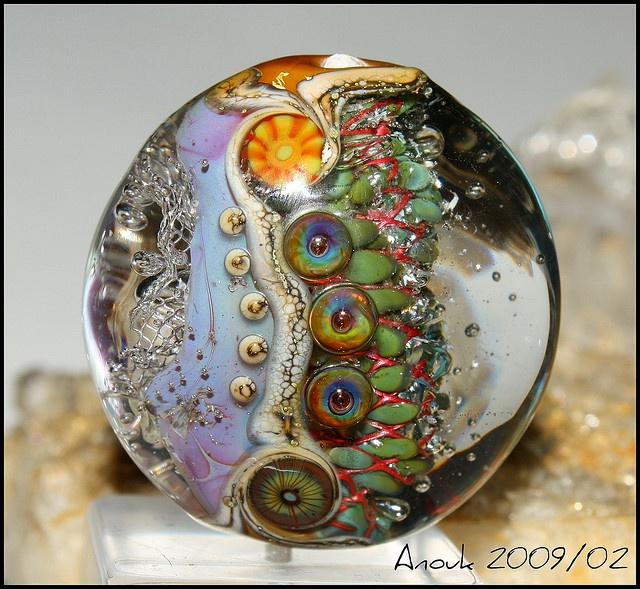 Amazing contrasting colours: Contrasting Colours, Troll Beads, Photo Sharing