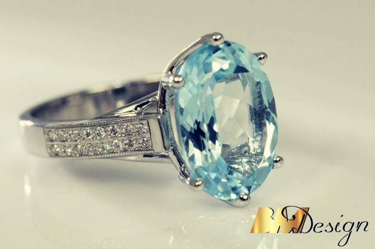 Pierścionek z topazem i diamentami #bluetopaz #topaz #diamonds #diamenty #pierścionek #bizuterianazamowienie