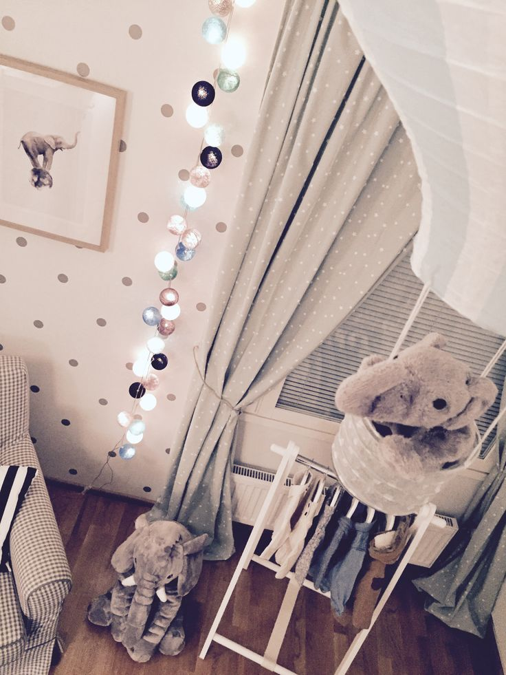 BABY / NURSERY / INTERIOR / BEDROOM / IDEAS / SCANDINAVIAN / PASTEL / MINT GREEN / BABY BLUE / ELEPHANT / GREY //