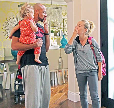 Kendra on Top Premiere Recap: Did Kendra Wilkinson Cheat on Hank Baskett? - http://www.hollywoodfame.com/kendra-on-top-premiere-recap-did-kendra-wilkinson-cheat-on-hank-baskett.html