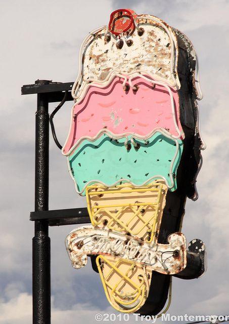 Twister's Soda Fountain Sign, Williams, AZ by 4 Corners Photo, via Flickr