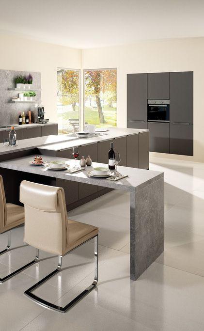 Design Küche Kaufen: Ergonomisch Eingerichtete Küche In Lavagrau Mit  Einbaugeräten Von Blaupunkt. Planen Sie Im Küchenstudio Oder Zu Hause!