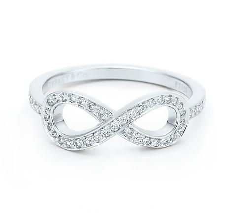 Tiffany & Co. | Item | Tiffany Infinity ring in platinum with diamonds. | United States