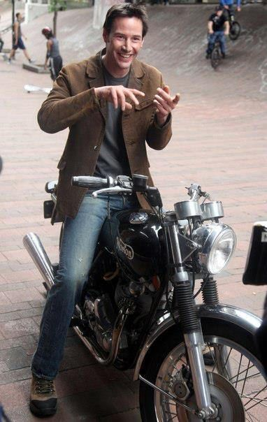 527716_421145367949049_555974839_n | Keanu Reeves & Benicio Del Toro | Flickr