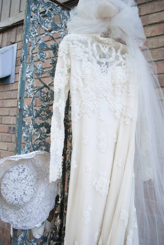 display mom's dress
