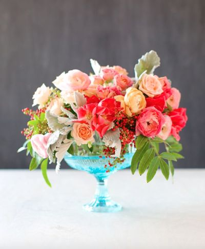 This Incredibly Romantic DIY Wedding Centerpiece tutorial will blow your guests away when they realize that you created this floral art on your own.