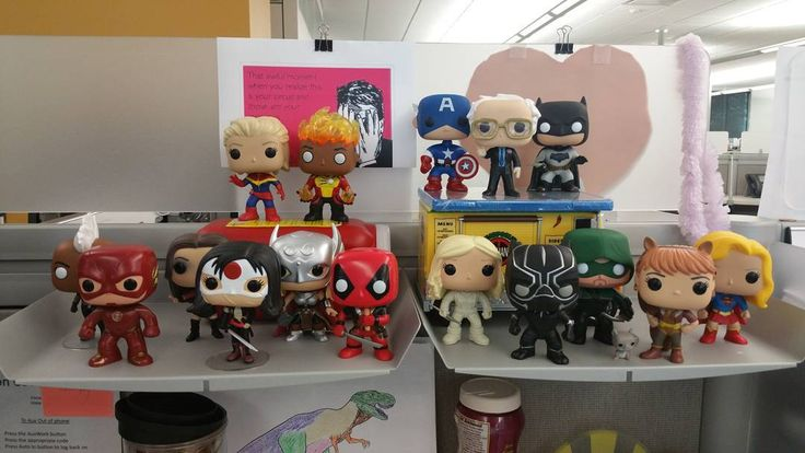 heroes united #captainmarvel #firestorm #captainamerica #berniesanders #batman #storm #theflash #scarletwitch #katana #thor #deadpool #whitecanary #blackpanther #greenarrow #theunbeatablesquirrelgirl #tippytoe #supergirl