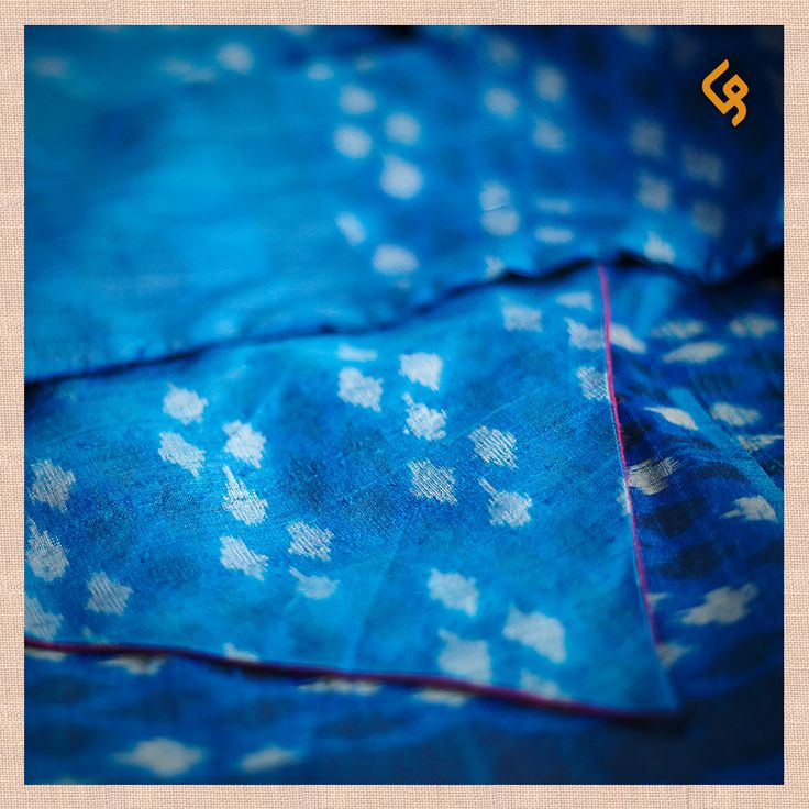 THE POETRY OF IKAT A labour of love from the villages of Puttapaka and Koyyalagudem near Hyderabad. An intricate weaving process that demands mathematical precision, elevated aesthetics, unending patience and supreme skill.  #TributeToTheCraftsOfIndia