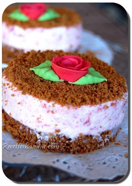 speculoos + rasberry icecream sandwiches