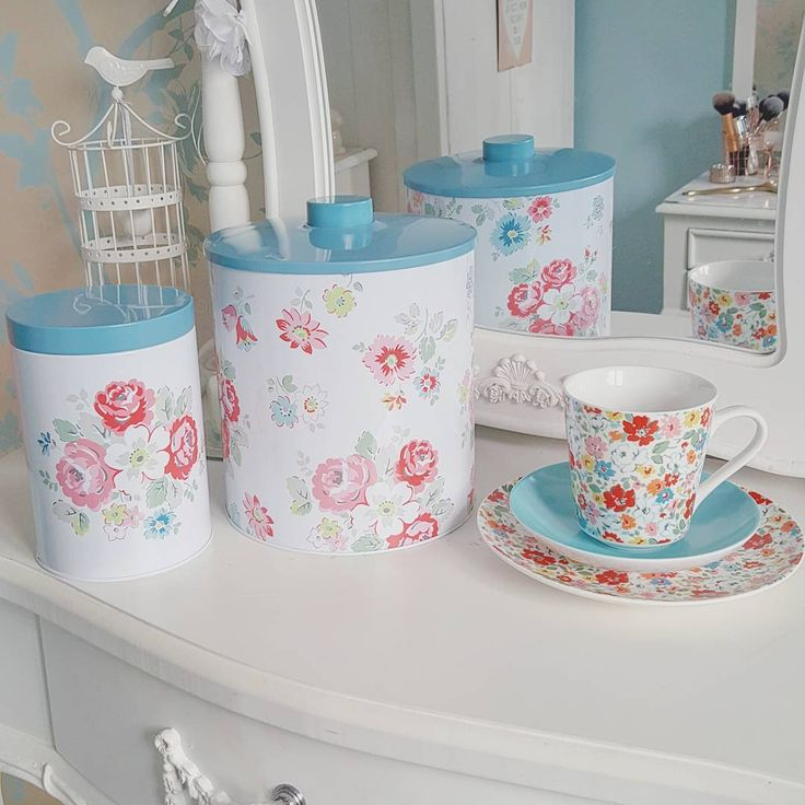 """108 aprecieri, 6 comentarii - Victoria's Vintage Blog ♡ (@victoriajane6) pe Instagram: """"Another trip to the Cath Kidston outlet! Total £14 🌸 · · · #cathkidston #floral #shopping #outlet…"""""""