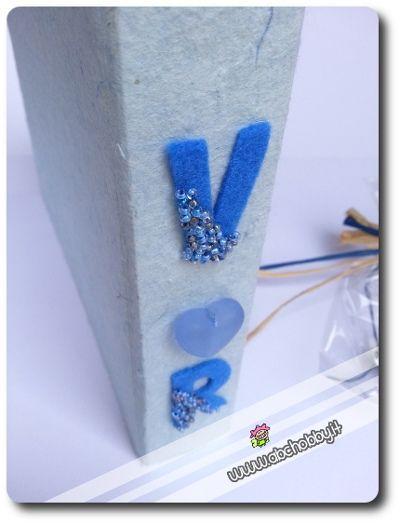 Particolare della decorazione - Lettere in pannolenci decorate da perline - Album fotografico per sposi innamorati