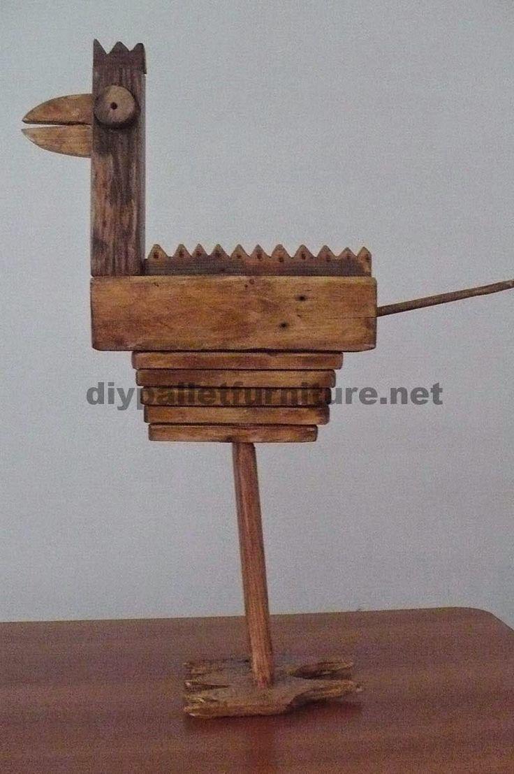 Muebles de palets: Esculturas de aves hechas con bloques y tablas de palets
