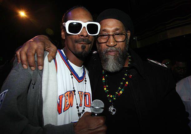 Snoop Dogg And The Creator Of Hip Hop Dj Kool Herc Mar 28 2011 Dj Kool Herc Hip Hop Dj Snoop Dogg