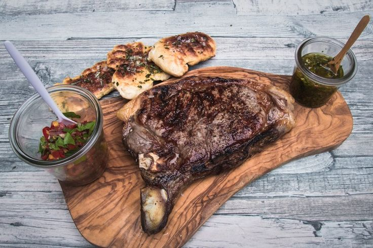 Steak mit gebackenem Focaccia aus dem Steakreaktor