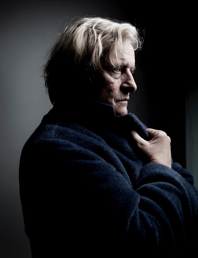 rutger hauer- wonderful lighting for a thoughtful portrait.- I love so much this actor.
