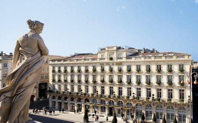 Grand Hotel de Bordeaux offers harvest tours