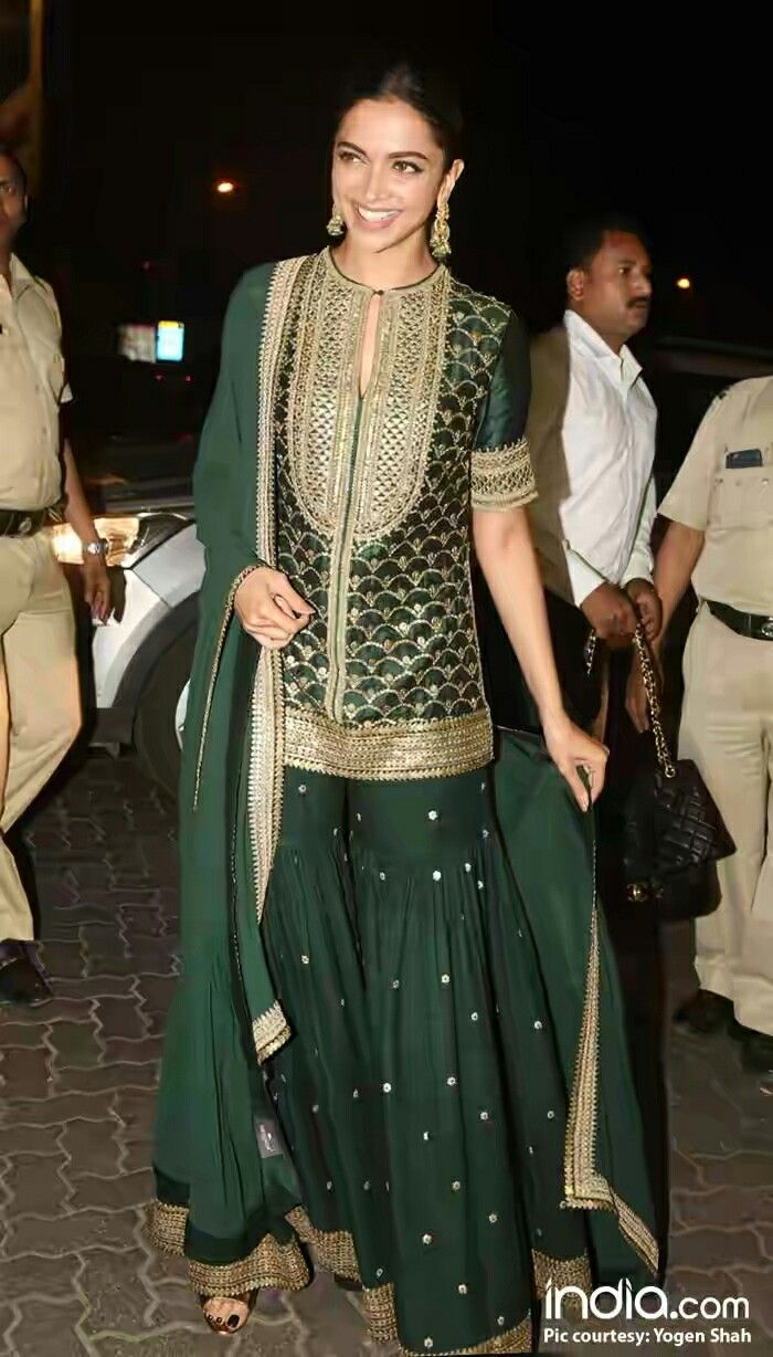 8ae07a51776 Bollywood actress Deepika padukone in bottle great traditional dress ...