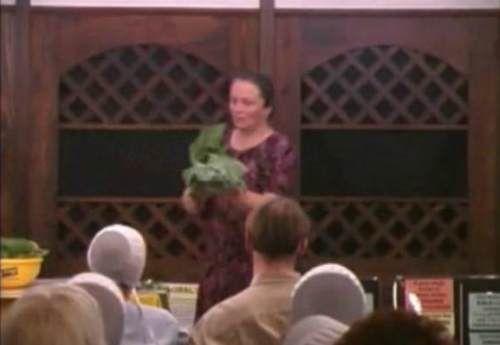 Victoria Boutenko vorbeşte despre experienţa şi munca ei de cercetare privind consumul de legume si fructe crude, germeni, rădăcini şi seminţe.Ea este
