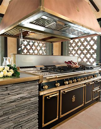 Take a look the the world's most luxurious cooking ranges and stoves at  www.officinegullousa