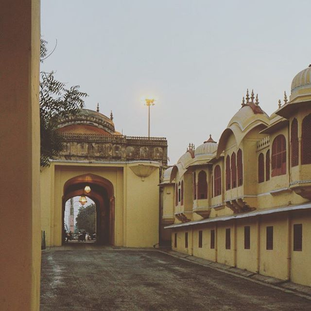 In perspective. #jaipur #rajasthan #india #perspective #heritage #architecture #incredibleindia #instaindia #yellow #royal #palace