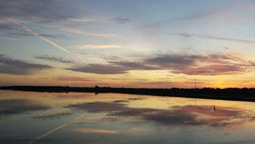 Mooie spiegeling over de waddenzee bij Marina Schiermonnikoog