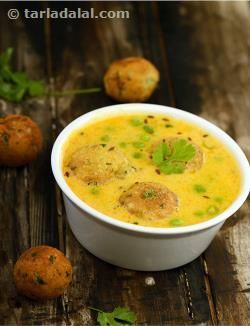Paneer Koftas in Curd Gravy recipe | Indian Subzi Recipes | by Tarla Dalal | Tarladalal.com | #4343