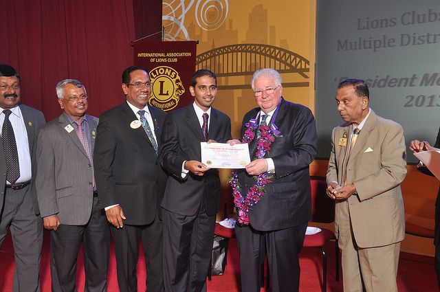 Colombo Metro City Lions Club (Sri Lanka) | International President Palmer visits with club members
