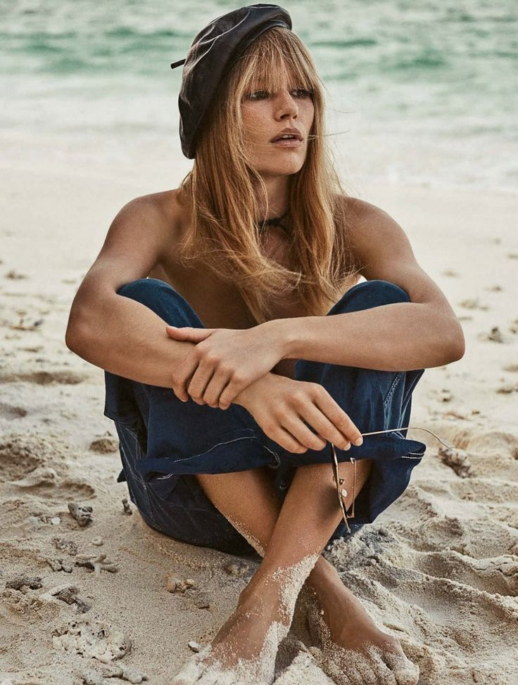 Photography: Giampaolo Sgura. Styled by: Christiane Arp. Hair: Franco Gobbi. Makeup: Jessica Nedza. Model: Anna Ewers.