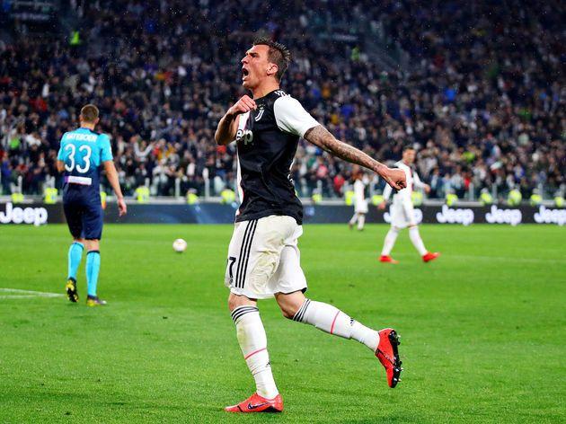 Juventus Bid Emotional Farewell To Mario Mandzukic As Striker Completes Move To Qatar Mario Cristiano Ronaldo Uefa Champions League