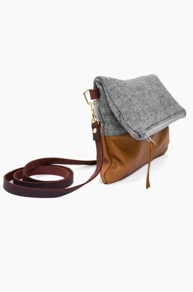 Love the wool and leather combo. Dying to find a cute bag similar to this.