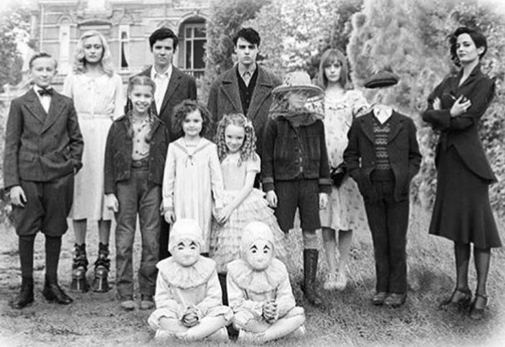 Emma, Jacob, Enoch, Olive, Horace, Fiona, Hugh, Millard, Bronwyn, Claire, The Twins, and Miss Peregrine