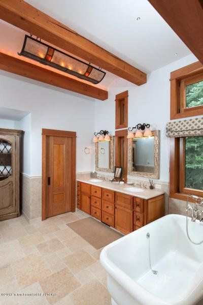 21 (34) lofty bathroom This is how the world's richest woman lives: Christy Walton's Wyoming estate is for sale