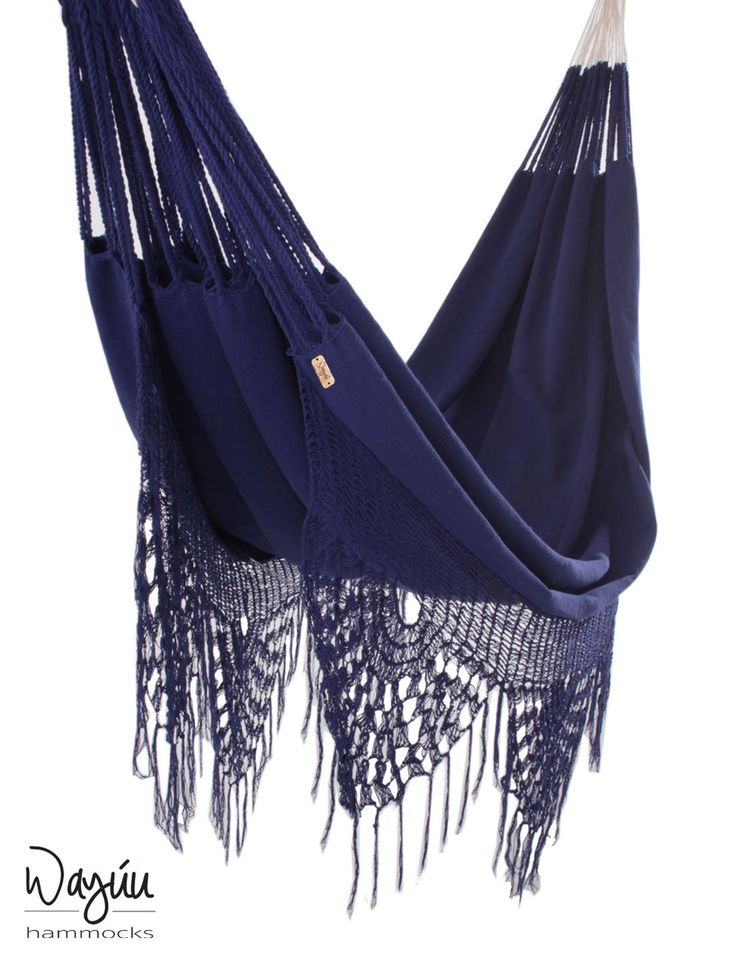 Please your senses with the ethereal elegance of this intoxicating piece. Featuring breezy, delicate fringes and a deep shade of navy blue, the Macondo Hammock strikes a beautiful balance of strength and grace.