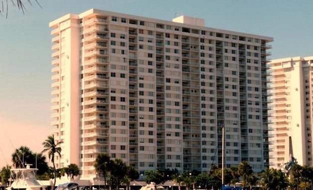 Arlen House Condo Sunny Isles Florida http://www.miamirealtymall.com/condos/index.php/project/.30709/