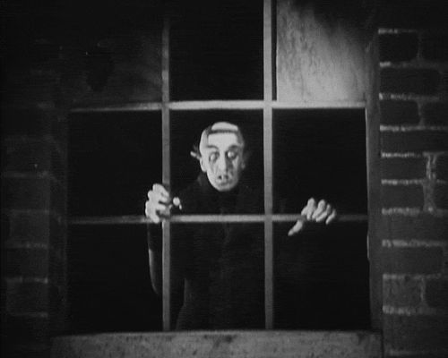 eww...Nosferatu moves! Click through  Max Schreck, Nosferatu, F.W. Murnau 1922.