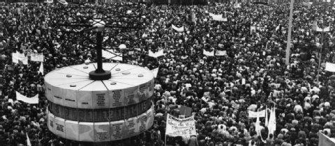 4. November 1989: 25 Jahre legendäre Alexanderplatz-Demo   Berlin- Berliner Zeitung