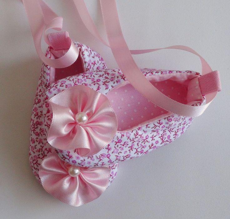 Sapatinho Floral Rosa Tamanho do Soladinho: 0-3 meses - 9,5 cm de…
