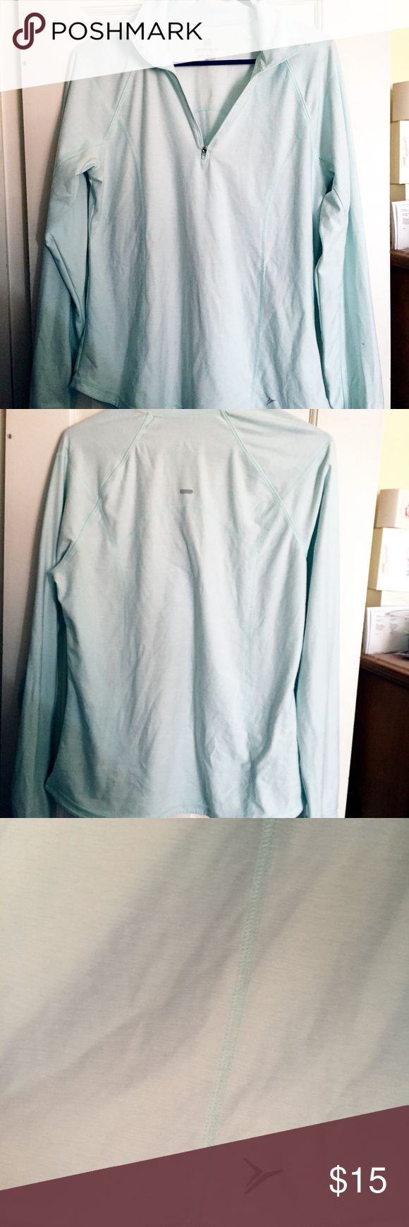NWOT Old Navy Active Fit Tiffany Blue 1/4 Zip NWOT Old Navy Active Fit Tiffany Blue 1/4 Zip  Semi-litted, long sleeved, size large women's thin active pullover top. Features thumb holes and a small reflective logo (pictured). Received as a gift and did did not like how loose it is on me.  No signs of damage or wear, but it has been washed. Perfect to wear to the gym over a tshirt in cooler months or for outdoor activitiy.   RN# 54023 CA# 17897 Old Navy Tops