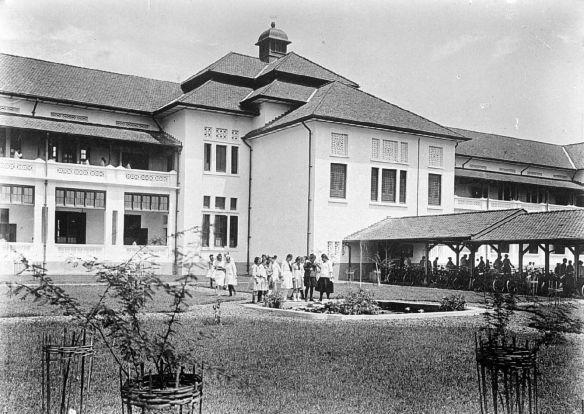 Openbare HBS, Bandoeng, meisjesspeelplaats