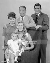 #Popular #1960-1970 #TV #series #Bewitched #Cast #Members #ElizabethMontgomery #DickYork