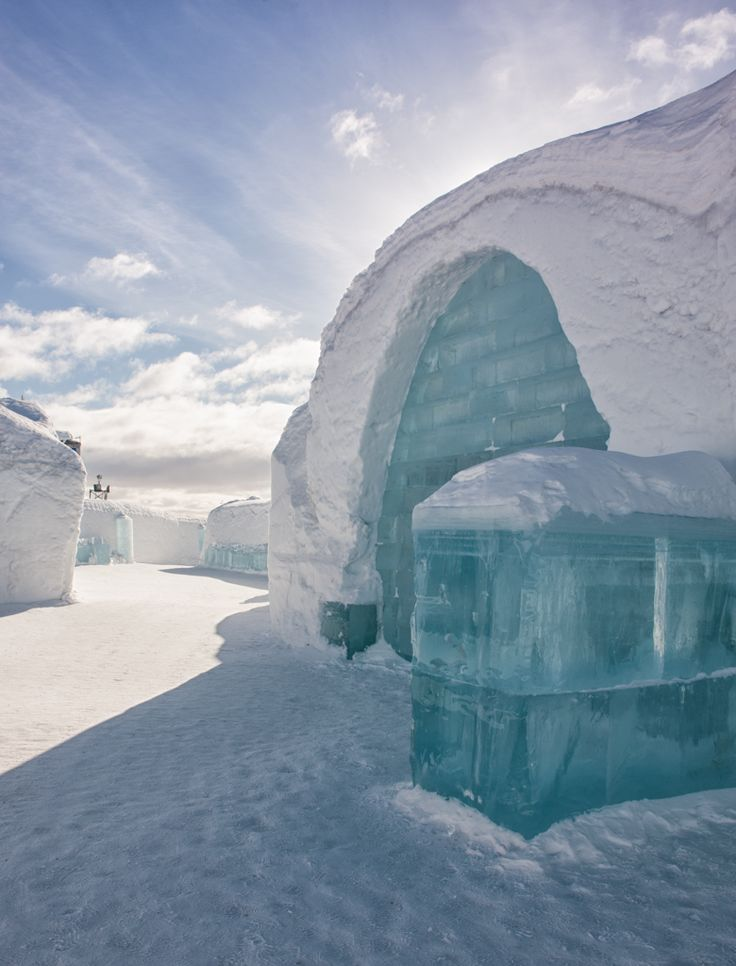 What it's like to spend a night in the Icehotel in Sweden >> Oh I want to spend a night here so bad!!! Have you stayed in an Icehotel? Would you?